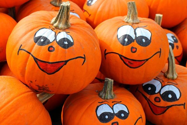 JustLoveWalkingHalloweenPumpkins