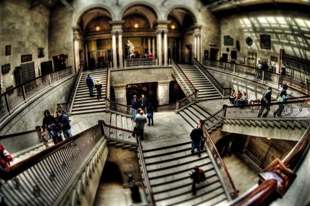 Art-Inst-main-stairs