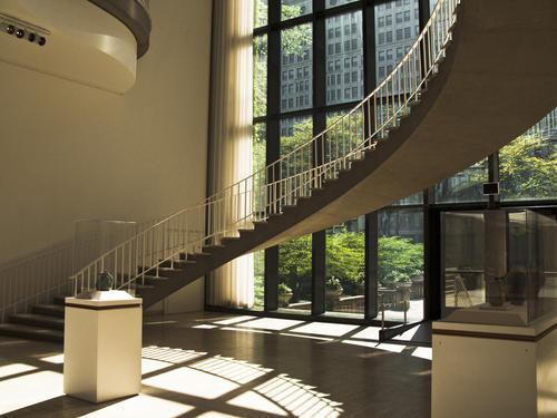 Art_Inst-circular-stairs